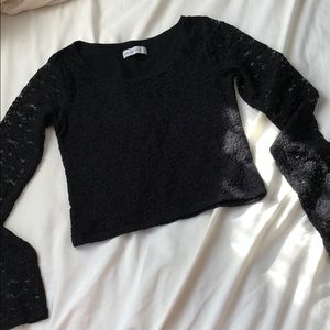 🎉CLOSET CLEAR OUT🎉 A&F Lace crop top!